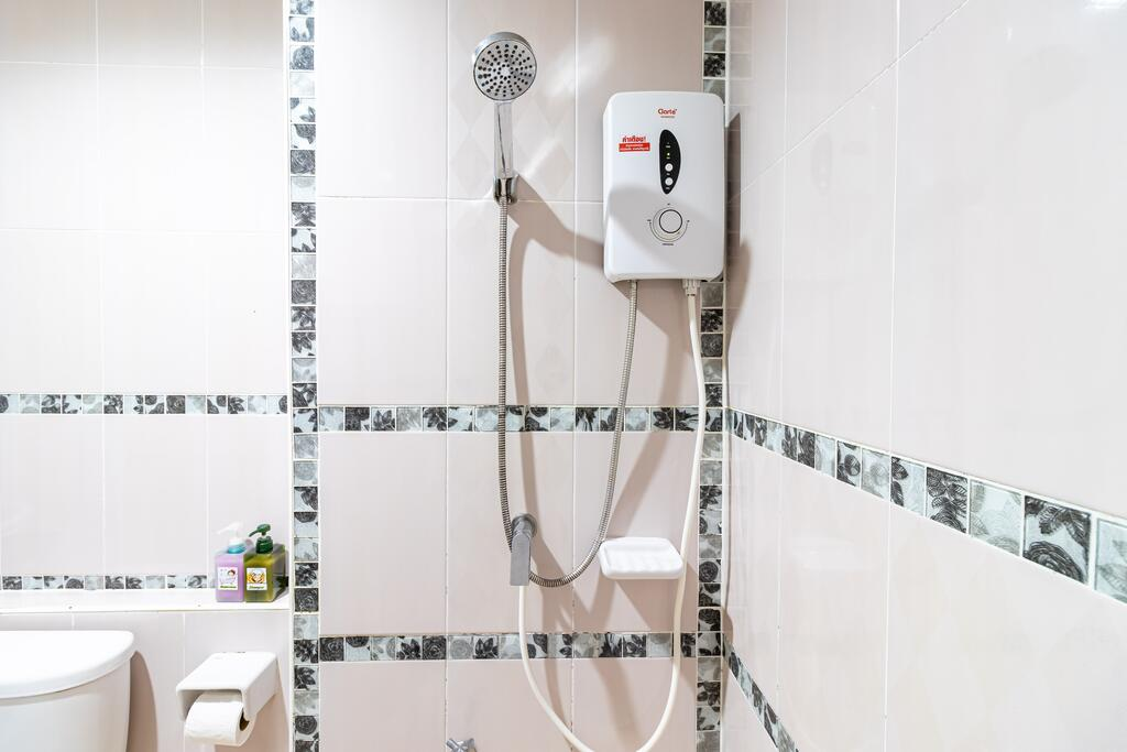 แบกเป้เที่ยวหลีเป๊ะ ห้องน้ำ