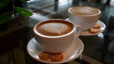 Café สวยใกล้ Icon Siam เดินทางสะดวก อยู่ใจกลางเมือง