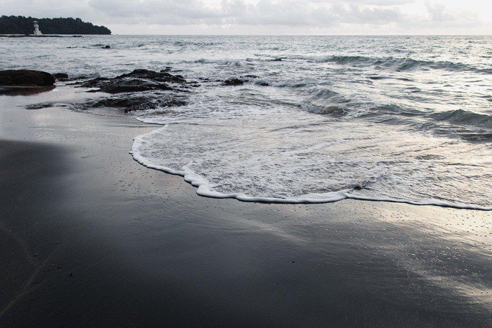 หาดทรายดำ