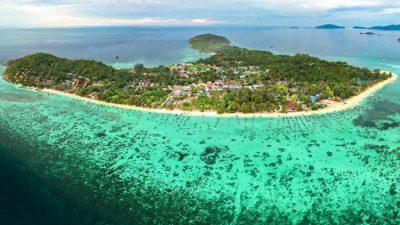 เกาะหลีเป๊ะ หาดทรายสวยน่าเที่ยวเว่อร์ที่มีธรรมชาติอันสมบูรณ์และงดงาม